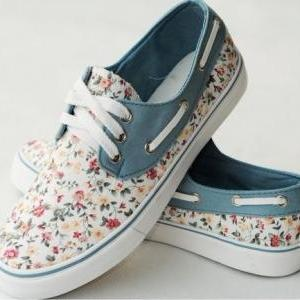 Floral Canvas Shoes For Women Print..