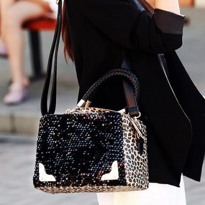 Stylish Black And Leopard Print Fas..