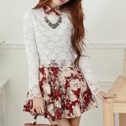Full Of White Flowers Printed Skirt