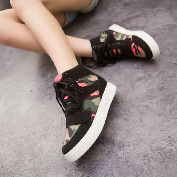 Floral Camouflage Canvas Shoes